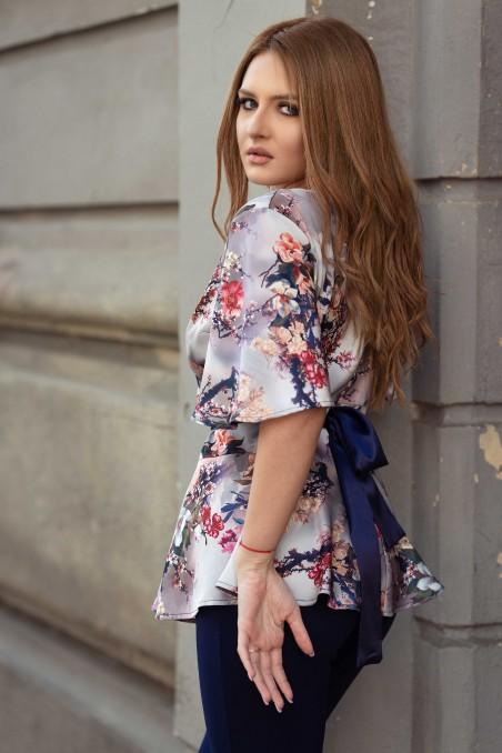Bluză cu imprimeu floral